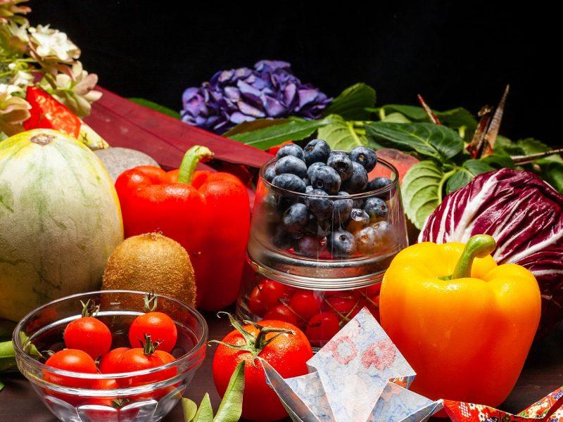 Beneficios de las frutas y verduras de temporada desde tu peluquería de Secretos del Agua en Valencia.